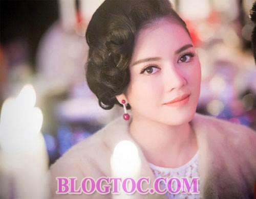 Những kiểu tóc xoăn đẹp mang phong thái cổ điển của các sao Việt khi xuất hiện trước công chúng 3