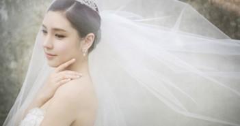 Kiểu tóc cô dâu đẹp với vải voan cài tóc đơn giản mà đẹp dịu dàng 10