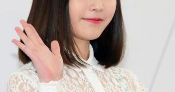 Tóc ngắn ngang vai đẹp phù hợp với nhiều kiểu gương mặt mang lại phong cách trẻ trung năng động 8