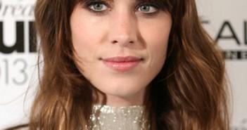 6 kiểu tóc ngắn ngang vai đẹp cho bạn gái thêm trẻ trung năng động được yêu thích nhất hiện nay 2