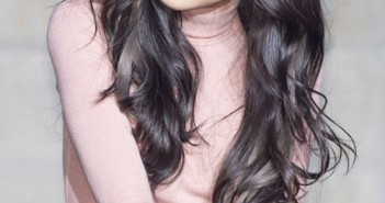 Những kiểu tóc đẹp với màu tóc đen ấn tượng nhất của sao bạn gái nên học hỏi 16